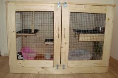 Ručně vyrobená dřevěná klec pro králíčka