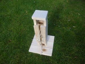 Dřevěná věž - hračka pro králíčky - promazliky.eu